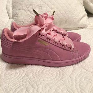 Women's Puma Sneakers